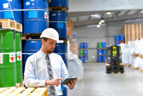 Mit dem Tablet garantieren Sie die richtige Koordination im Warenlager