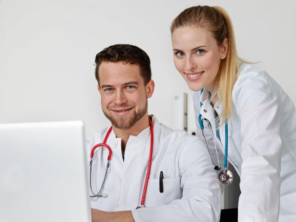 Arzt- und Pflegepersonal erspart sich lange Wege bei der Datenbeschaffung