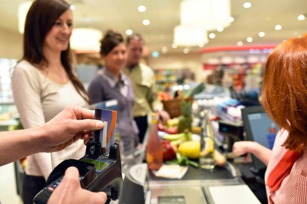 Kartenzahlung im Supermarkt
