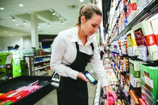 tc52-photography-application-grocery-scanning-web-72dpi